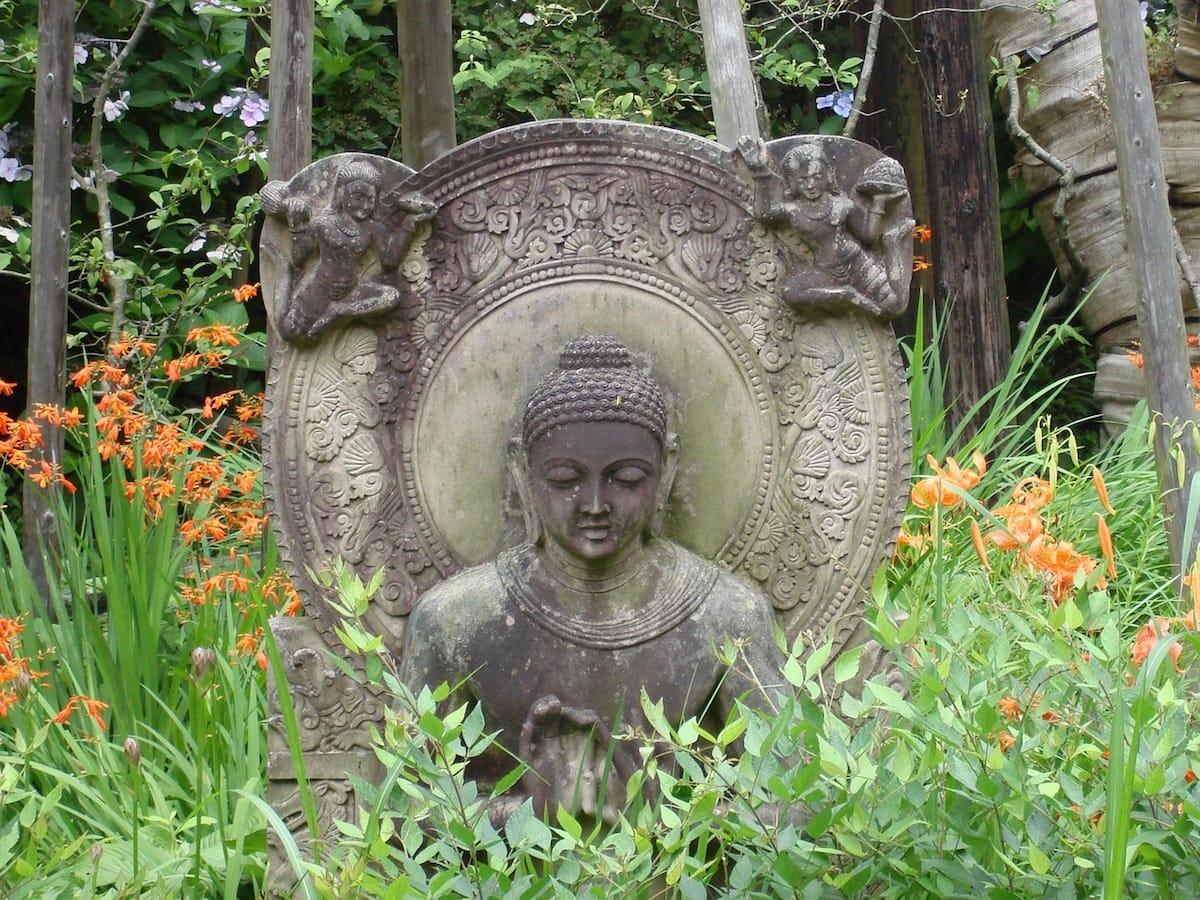Warriorship, bravery, Sakyong Mipham, Vajrayana / Tibetan Buddhism, Shambhala Sun, Lion's Roar, Buddhism