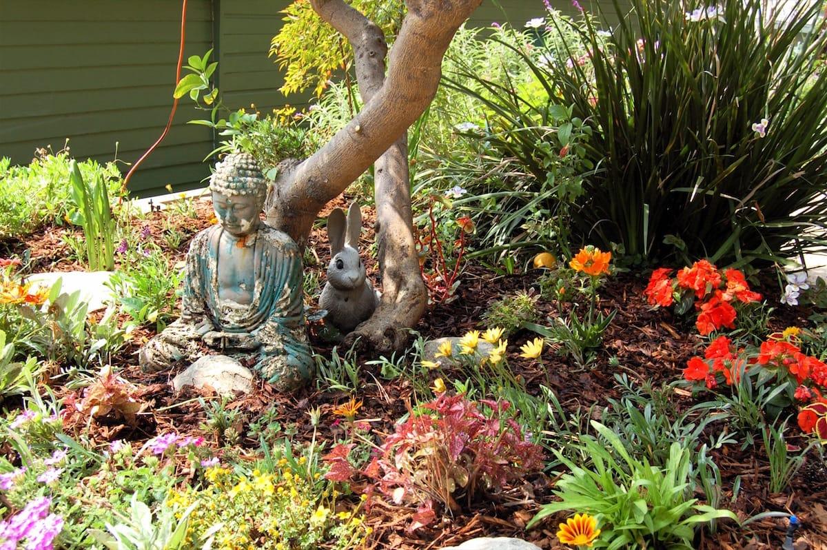 Bernie Glassman Jan Chozen Bays John Daido Loori Los Angeles Zen Center Maezumi Roshi Shambhala Sun - March '04 Zen