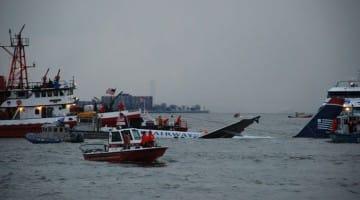 US_Air_Flight_1549_rescue_efforts-1