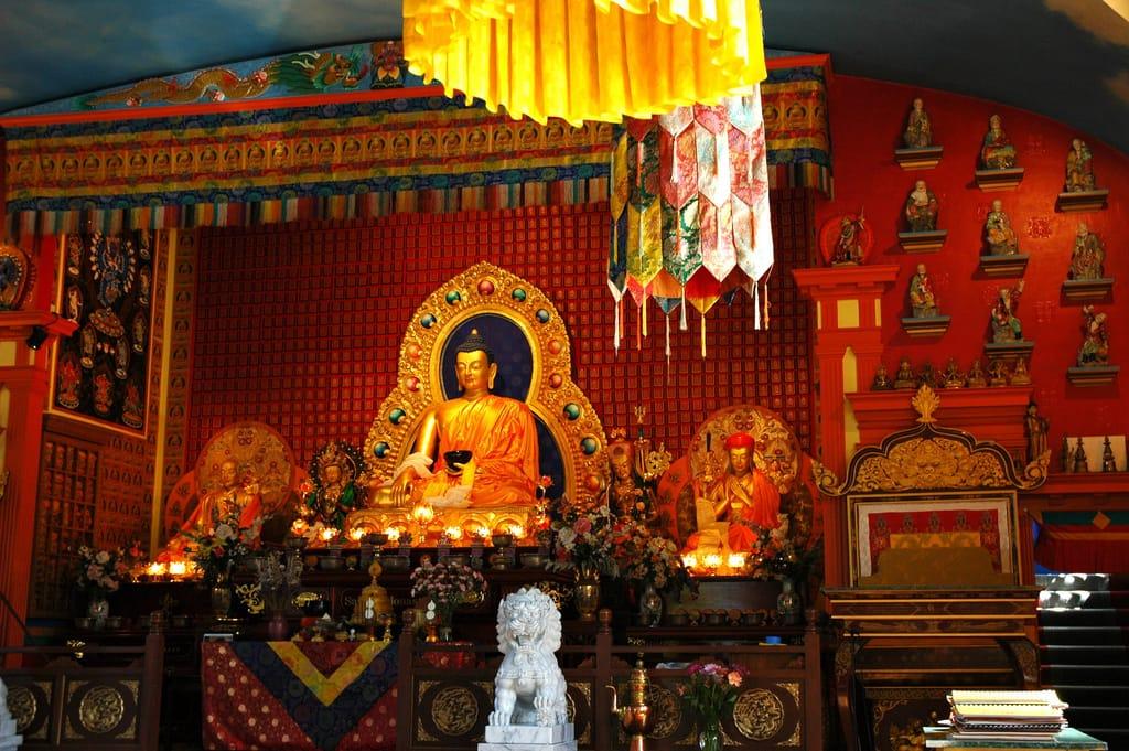 Bodhichitta, Bodhisattva, Sakyong Mipham, Shambhala Sun, Lion's Roar, Buddhism