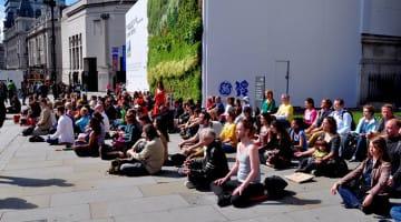 meditation, flash mob, mindfulness, bhante, lion's roar, buddhism, day of mindfulness