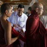 Muslim organization offers meals and robes to Buddhist monks