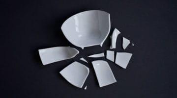 Broken bowl photo. Zen, tantra, vajrayana.