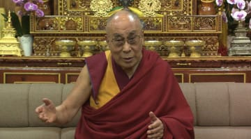 dalai lama, climate change, lion's roar, buddhism, news