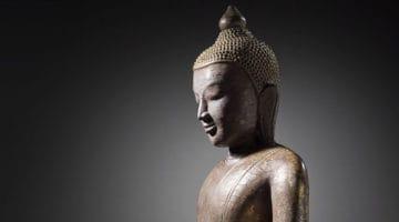 Buddha shakyamuni sculpture in wood and lacquer.
