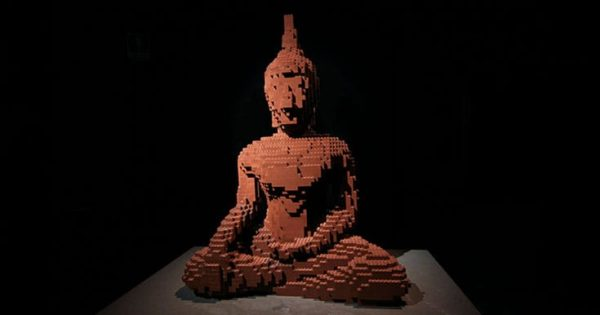 What Makes You a Buddhist? -- Dzongsar Khyentse Rinpoche – Lion's Roar