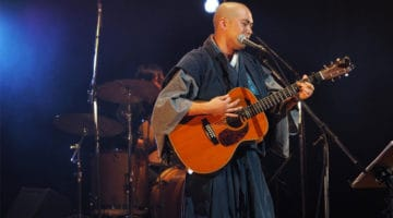 "Watch this viral video of a Zen priest singing the ""Heart Sutra"" with acoustic backing"