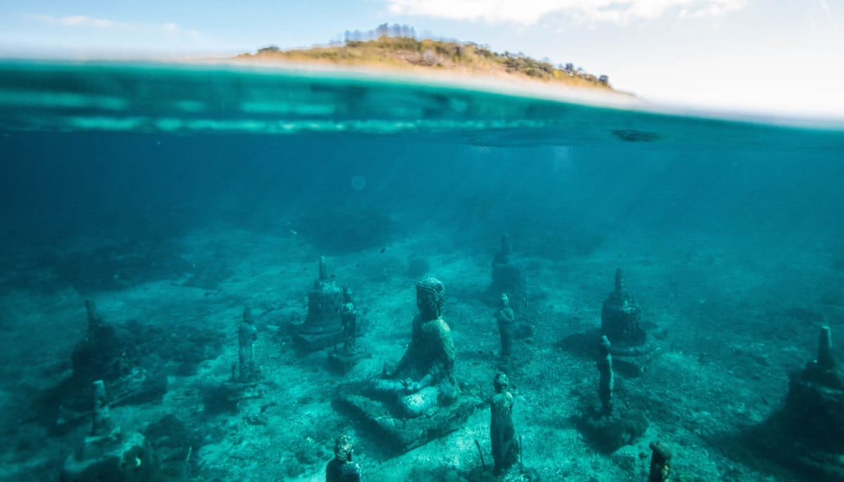 Buddhas on the bottom of the ocean.