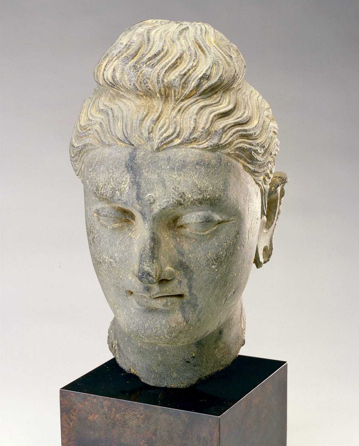 Sculpture of a Buddha head.