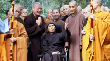 """Thich Nhat Hanh's health """"remarkably stable,"""" despite report in TIME"""